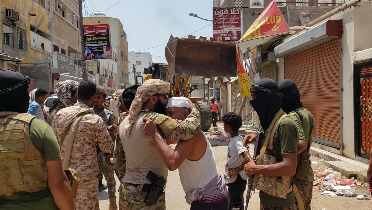 بقيادة الحالمي.. تواصل حملة إزالة العشوائيات لليوم الثالث بشوارع المنصورة القديمة