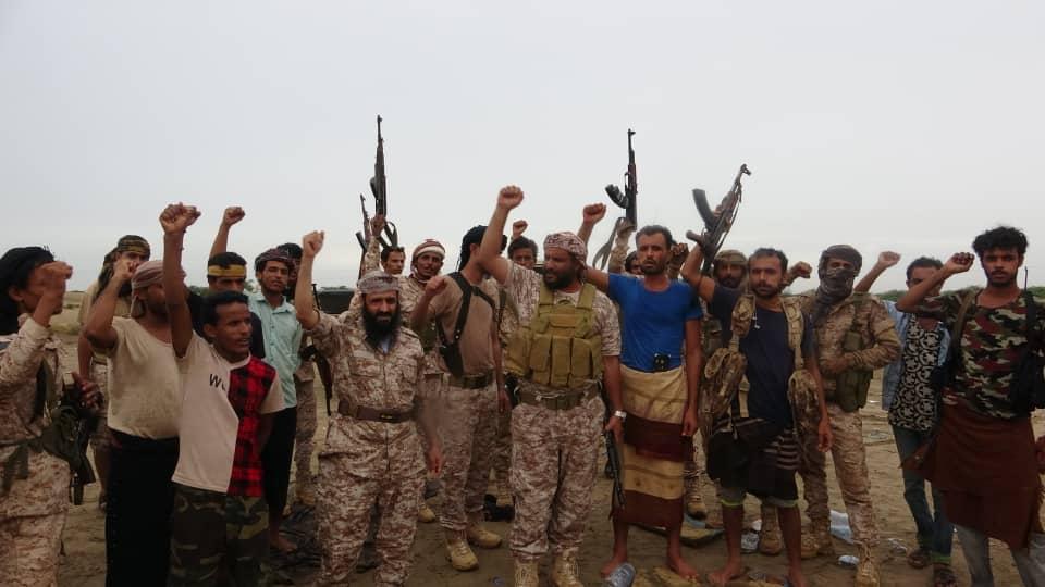 قيادة قوات الدعم والإسناد تشارك المقاتلين أعيادهم في متارس شقرة (تفاصيل)