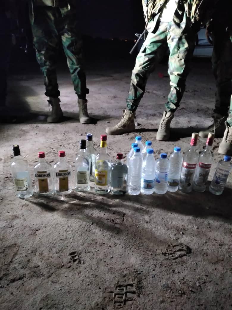 ضبط كميات من الخمور والحشيش المخدر في منطقة بئر احمد غرب عدن